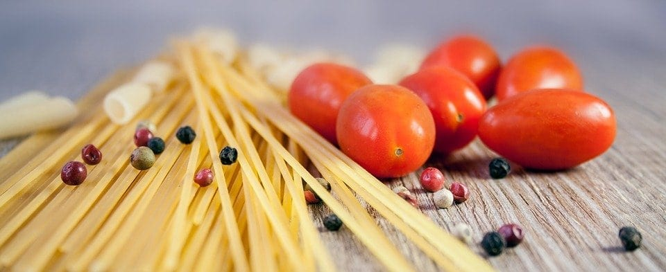 Spaghetti met rucola en olijven