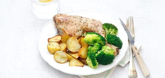 Kip met aardappeltjes in de oven