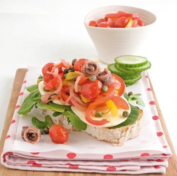 Italiaanse salade op ciabatta