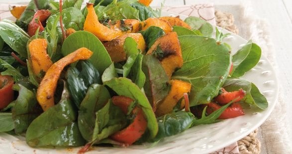 Salade van geroosterde flespompoen met Afrikaanse dressing